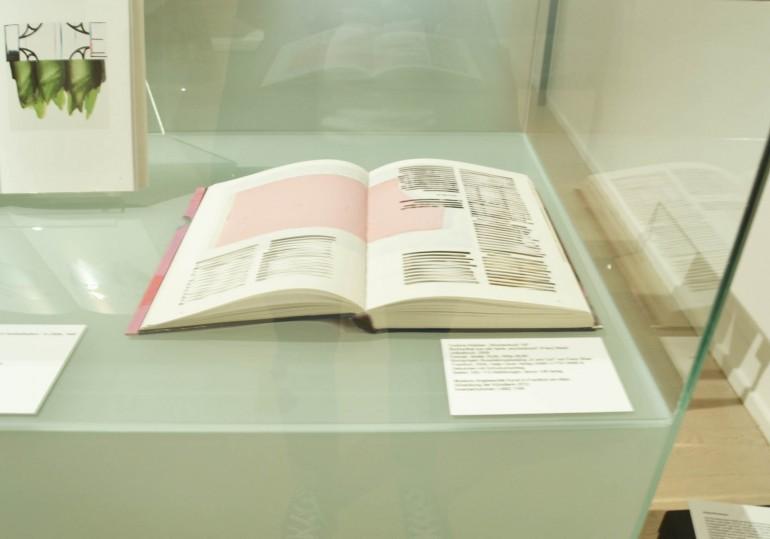 Ausstellungsansicht wochenbuch Franz West Museum Stift Admont, 2014